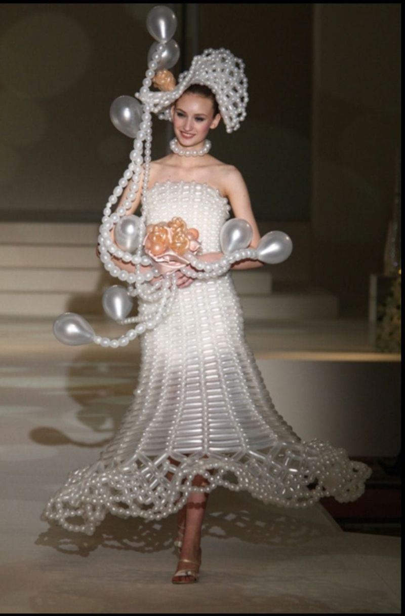 These Are The Strangest Wedding Dresses We Ve Ever Seen Historychronicle Com,Stella York Wedding Dress Prices Uk